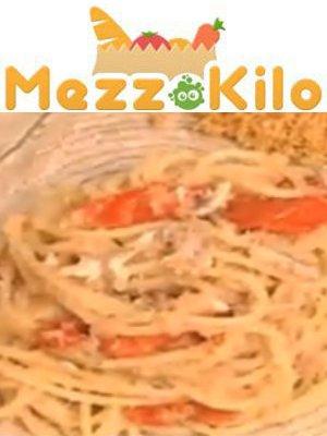 spaghettoni con alici pomodoro e pan grattato